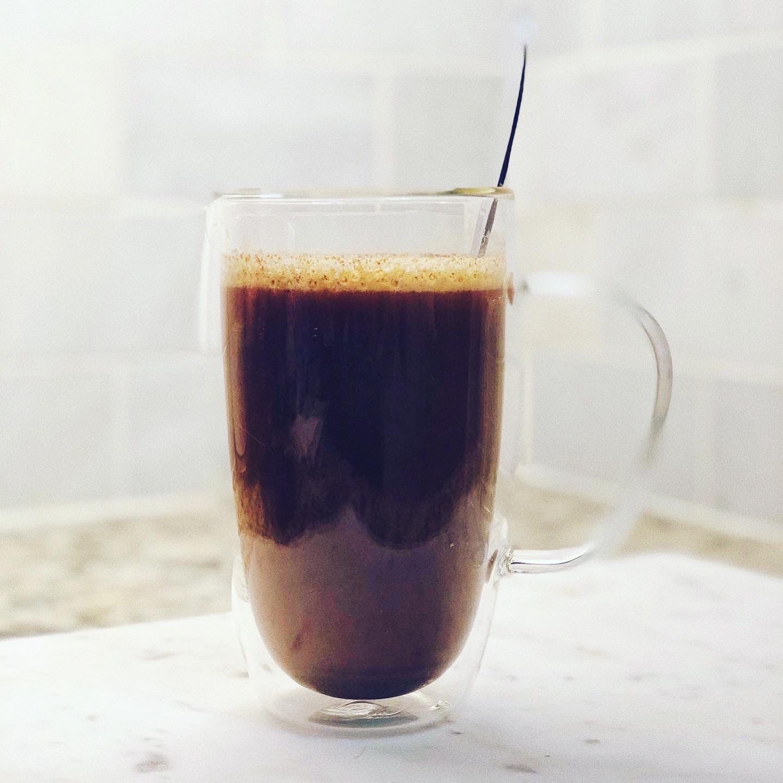 turmeric in coffee for beauty and glowy skin
