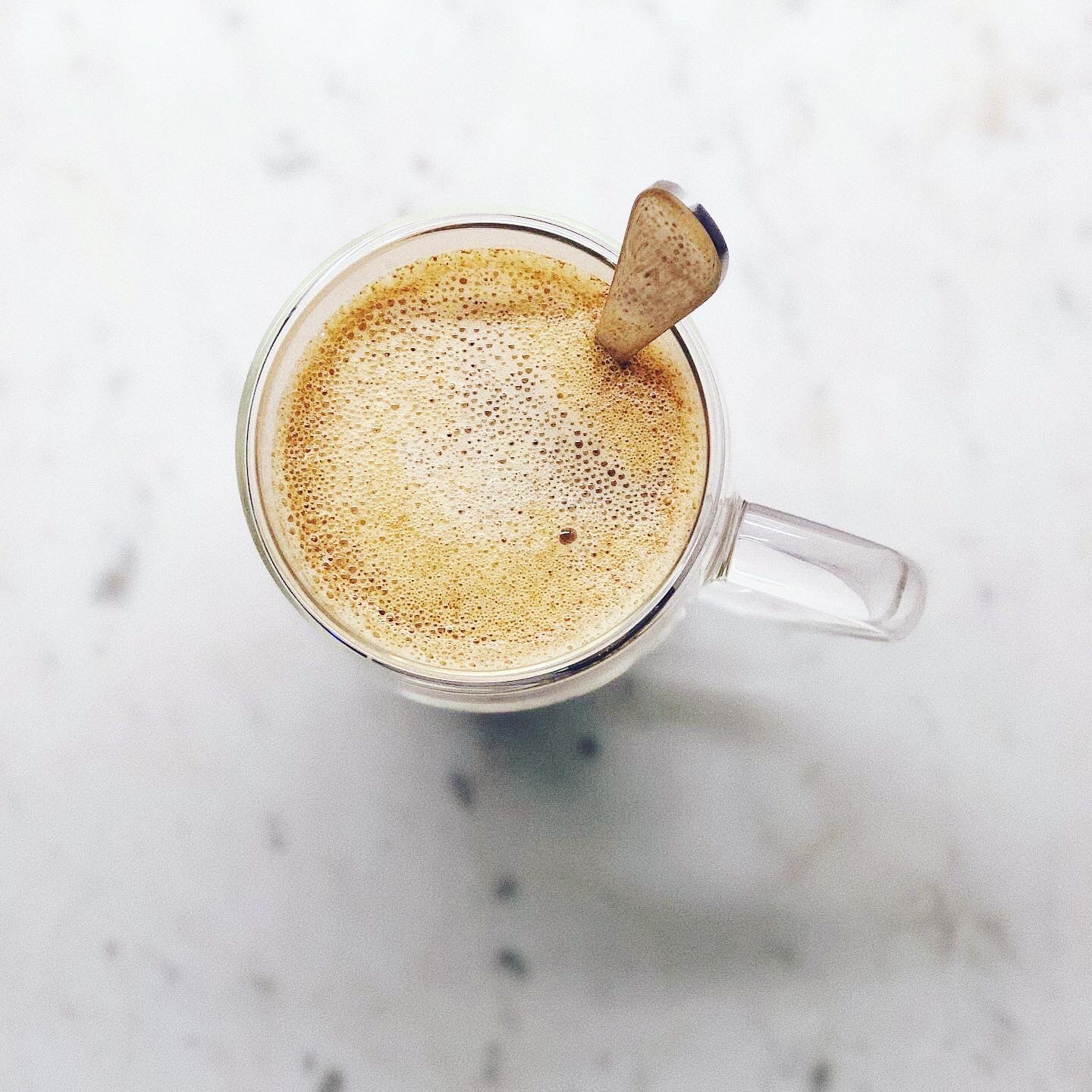 turmeric in coffee for beauty and healthy skin
